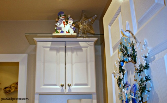 Christmas Decorations Guest Bathroom Wreath December 2014